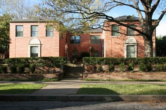 Duplex Designed by Architect Fooshee & Cheek - 4512 Westway Avenue