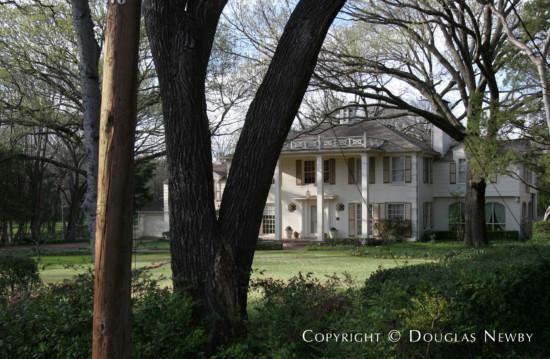 Estate Home in Preston Hollow - 5405 Park Lane