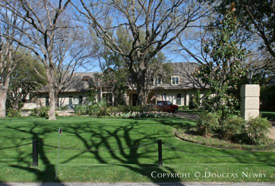 Estate Home in Preston Hollow - 9422 Alva Court