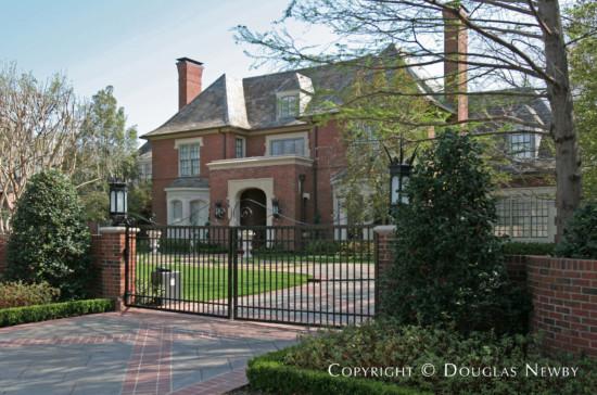 Residence in Preston Hollow - 5518 Winston Court