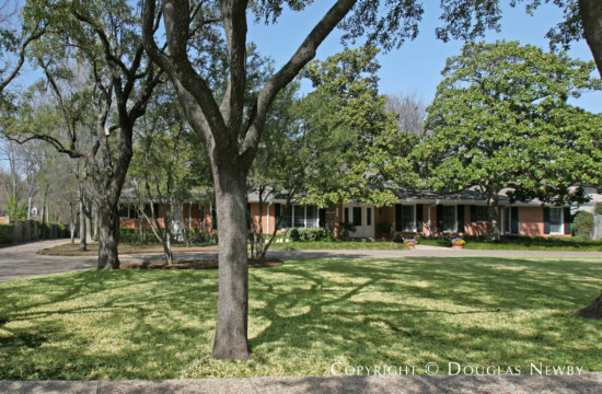 Residence in Preston Hollow - 5543 Winston Court