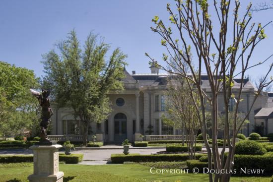Estate Home in Preston Hollow - 5238 Deloache Avenue