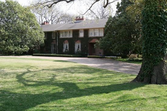 Estate Home in Preston Hollow - 5038 Deloache Avenue