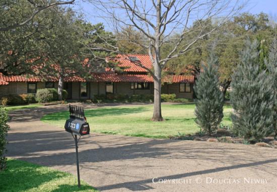 House in Preston Hollow - 9323 Sunnybrook Lane