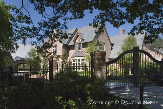 Estate Home in Preston Hollow - 9400 Meadowbrook Drive