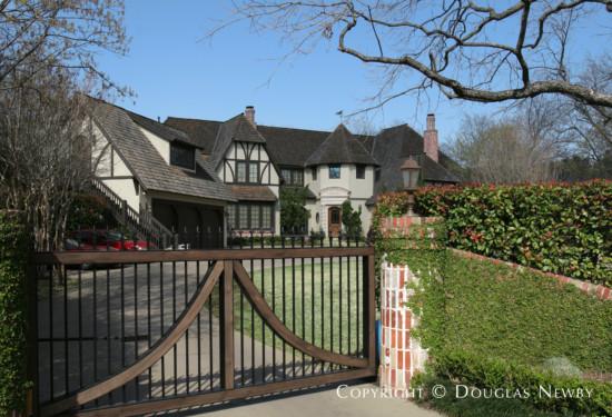 Estate Home in Preston Hollow - 5015 Brookview Drive