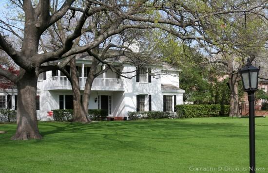 Estate Home in Preston Hollow - 5127 Brookview Drive
