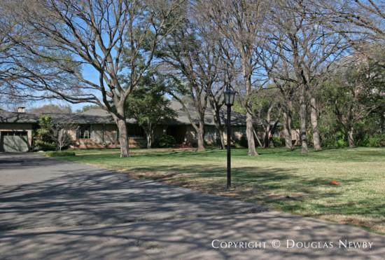 Estate Home in Preston Hollow - 4911 Brookview Drive