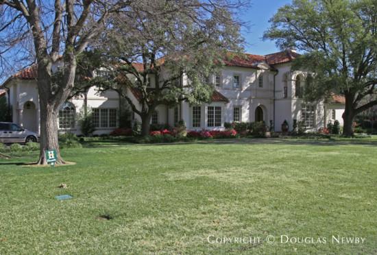 Residence in Preston Hollow - 4631 Valley Ridge Road