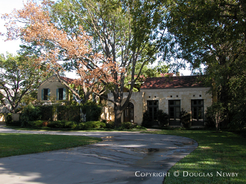 Estate Home in Preston Hollow - 4642 Meadowood Road