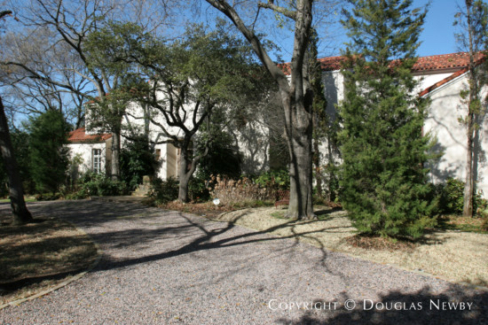 Estate Home Designed by Architect Kenneth Burgess - 9851 Rockbrook Drive