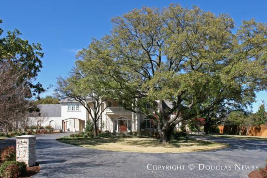 Estate Home in Preston Hollow - 4411 Beechwood Lane