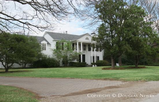 Estate Home in Preston Hollow - 5415 Falls Road