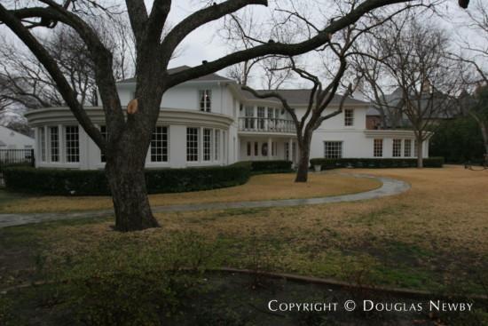 Estate Home in Preston Hollow - 5415 Edlen Drive
