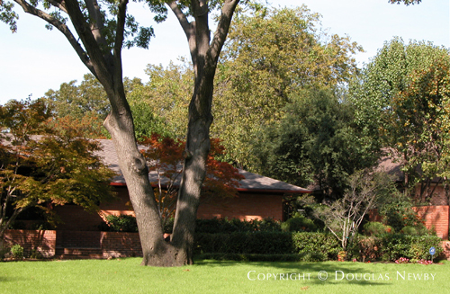 Residence in Preston Hollow - 5507 Edlen Drive