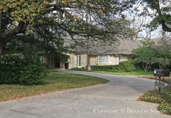 Estate Home in Preston Hollow - 9362 Hollow Way Road