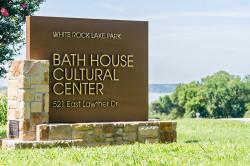 Bath House Cultural Center at White Rock Lake Park