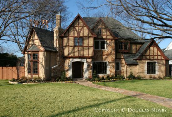 House in Preston Hollow - 6707 Lupton Drive