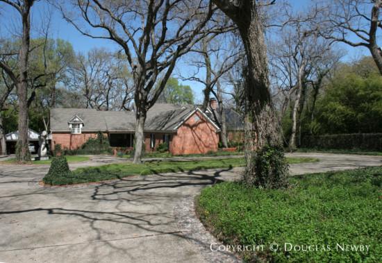 House Designed by Architect Downing Thomas - 4629 Watauga Road