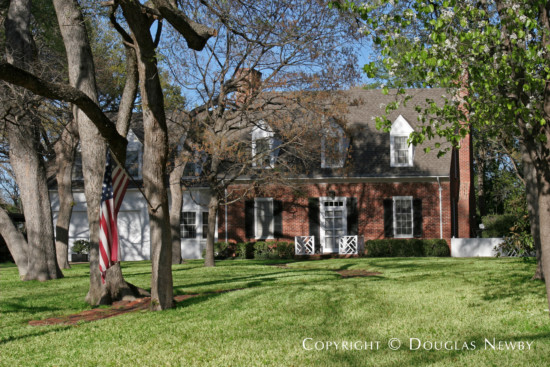 Home in Bluffview Area - 4800 Bluffview Boulevard