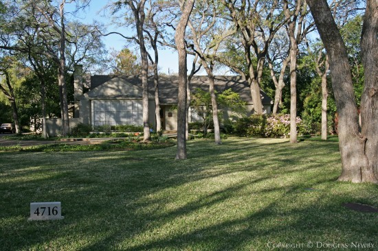 Home in Bluffview Area - 4716 Cherokee Trail