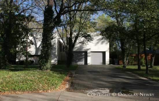 Home in Bluffview Area - 4508 Wildwood Road