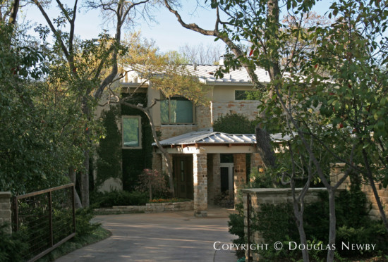 Residence in Bluffview Area - 4717 Wildwood Road