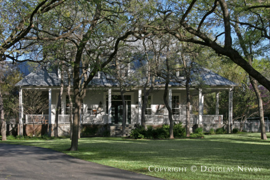 Estate Home in Bluffview Area - 4516 Wildwood Road