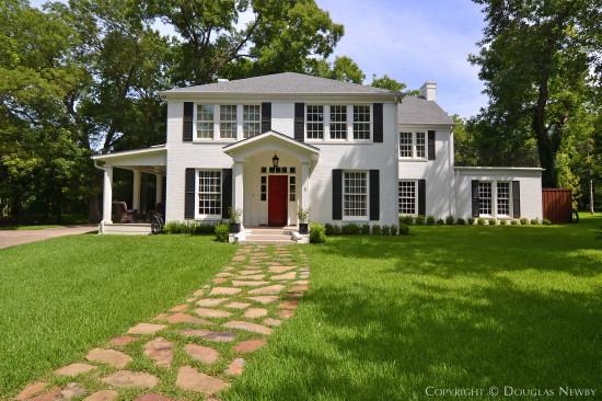 Estate Home Designed by Architect Wilson McClure - 4618 Shadywood Lane