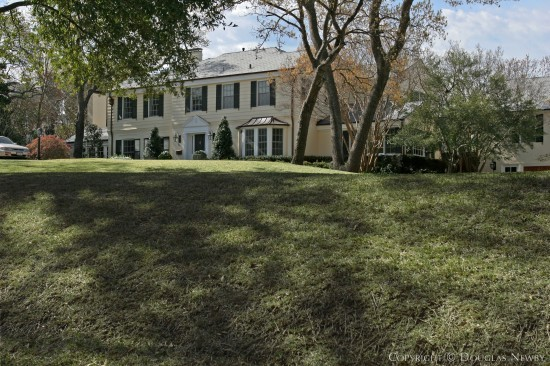 Estate Home in Bluffview Area - 4800 Shadywood Lane