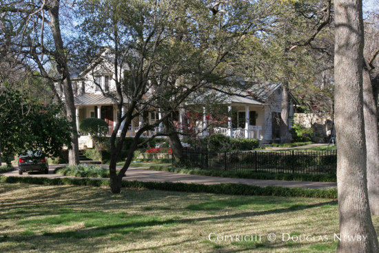 Estate Home in Bluffview Area - 4911 Shadywood Lane