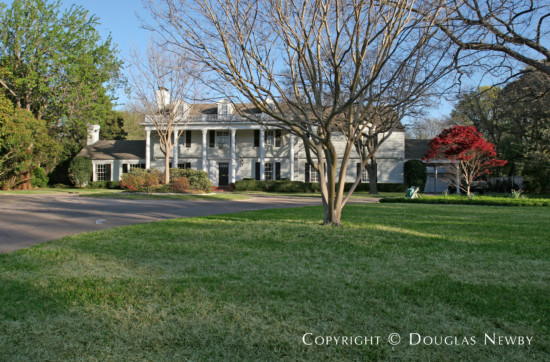 Estate Home in Bluffview Area - 5022 Shadywood Lane