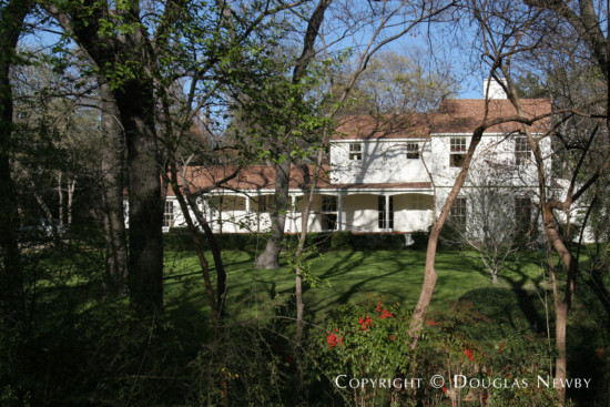 Estate Home in Bluffview Area - 4643 Shadywood Lane