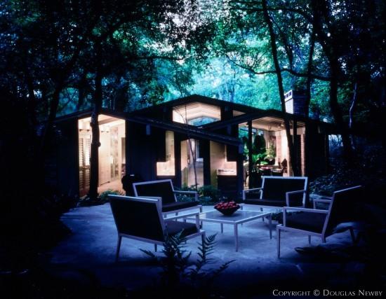 Residence Designed by Architect David George - 4234 Shorecrest Drive