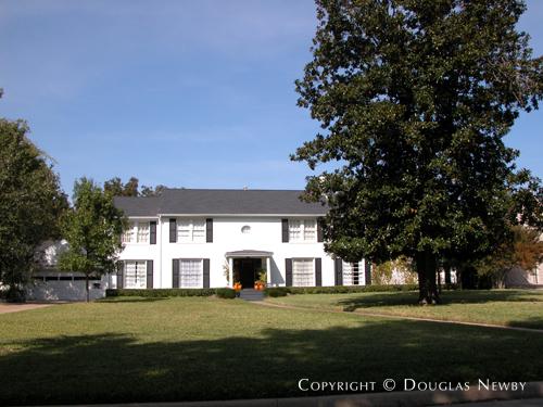 Home in Preston Hollow - 6047 Deloache Avenue