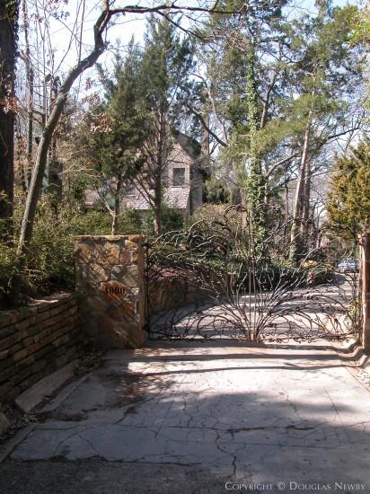 Estate Home in Turtle Creek Corridor - 4000 Rock Creek Drive