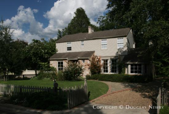 Home in Turtle Creek Corridor - 4018 Stonebridge Drive