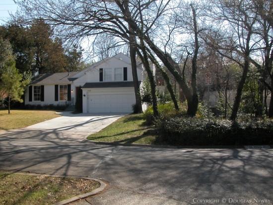 Home in Turtle Creek Corridor - 4108 Stonebridge Drive