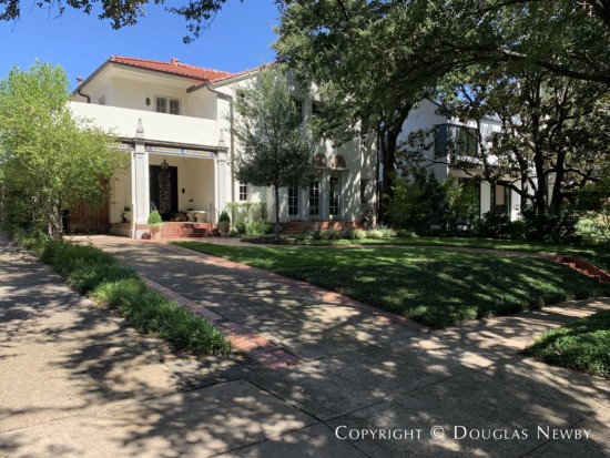 Home in Turtle Creek Corridor - 3615 Cragmont Avenue