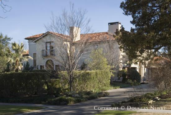 Residence Designed by Architect Boerder-Snyder - 6525 Turtle Creek Boulevard