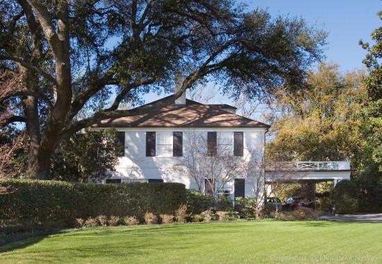 Estate Home in University Park - 6815 Baltimore Drive