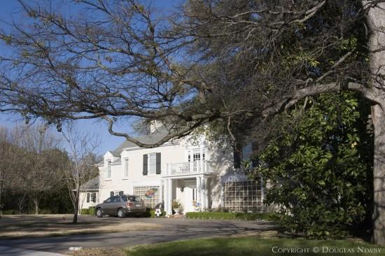 Residence in University Park - 7044 Turtle Creek Lane
