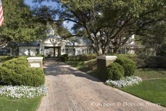 Estate Home Designed by Architect John Astin Perkins - 6908 Hunters Glen Road