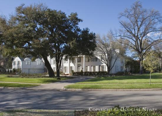 House in University Park - 6901 Hunters Glen Road