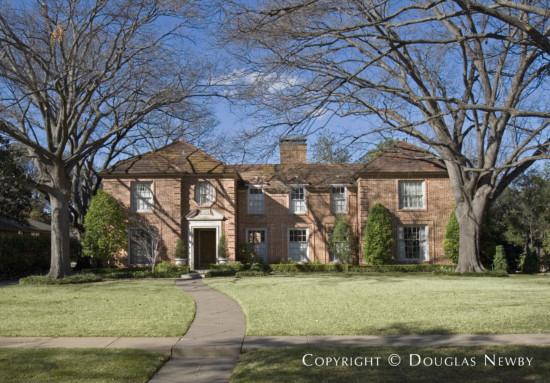 Residence in University Park - 4024 Grassmere Lane