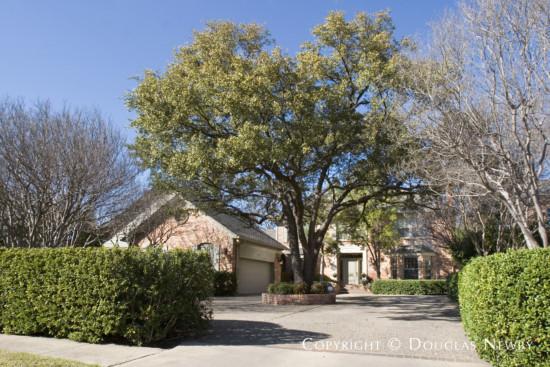 Residence in University Park - 4044 Druid Lane