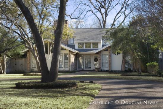Residence in University Park - 4037 Glenwick Lane