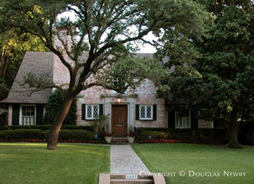 House in University Park - 3227 Bryn Mawr Drive