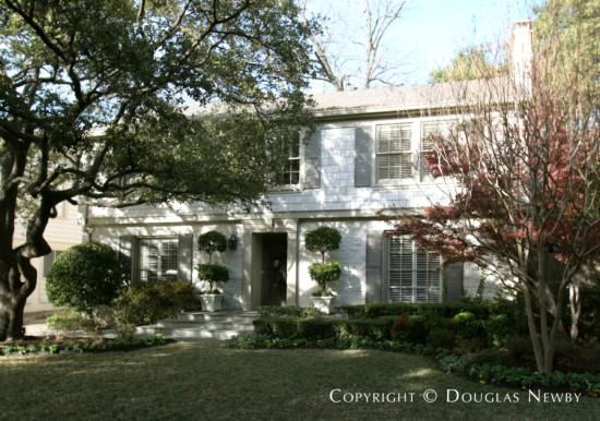 House in University Park - 4420 Windsor Parkway
