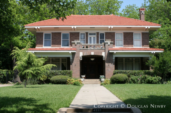 House in Swiss Avenue - 4933 Swiss Avenue